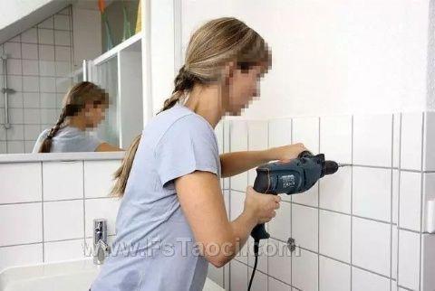 瓷砖打孔应该在瓷砖面还是瓷砖接缝处?听老师傅说完心里好后悔!