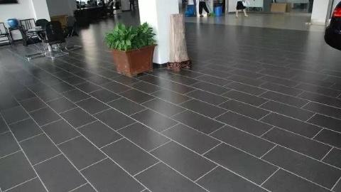 室内的瓷砖的尺寸这样挑,空间美感增强90%