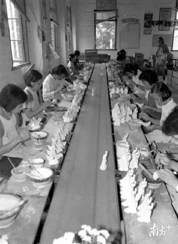 佛山建陶发展史:这些陶瓷界的大佬们原来是同一个车间的工友