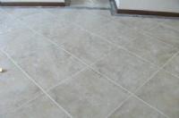 南方客厅防潮不在于铺什么地砖,而是在于地砖怎么铺